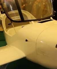 Trois ingénieurs tunisiens viennent de fabriquer un avion en fibre de carbone et en aluminium