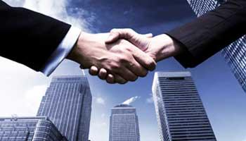 Le Groupe Attijariwafa bank a signé avec La Banque Publique