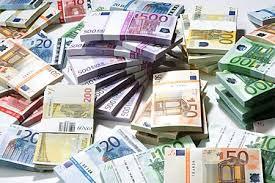 """Les Français les plus riches ne connaissent pas la crise."""" Les 500 plus grandes fortunes françaises ont vu leurs revenus grossir de plus de 15% en un an"""