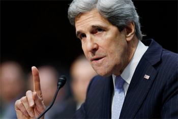 Le secrétaire d'Etat américain John Kerry a entamé mercredi à Bagdad une tournée destinée à bâtir une large coalition contre les jihadistes de l'Etat islamique (EI)
