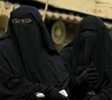 Deux jeunes femmes en niqab ont été arrêtées