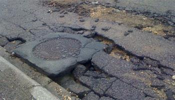 Un de nos lecteurs nous a envoyé un article où il fait l'état des lieux des infrastructures routières et de voiries dans maintes régions du Grand Tunis et ailleurs ...