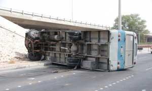 Un bus transportant 28 élèves s'est renversé à Amada Hannachi dans la délégation de Charbane