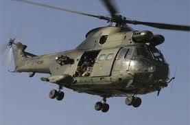 Un avion de reconnaissance des l'armée de l'air survole