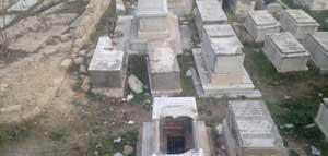 Une source sécuritaire au district de Sousse a démenti l'information qui circule sur les réseaux sociaux selon laquelle plusieurs tombes du cimetière juif de Sousse auraient été profanées jeudi 24 janvier2013
