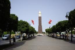 Selon le journal « Attounisia »Un jeune homme a grimpé l'horloge de l'Avenue Habib Bourguiba