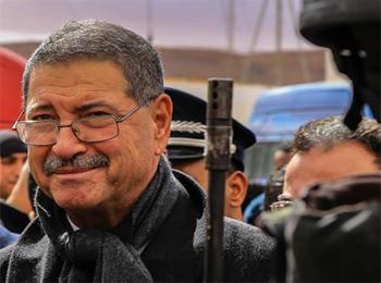 Un proverbe français bien connu que le chef du gouvernement tunisien Habib Essid devrait méditer