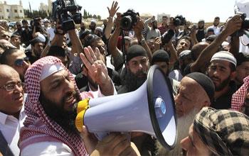 De larges franges de l'opinion publique ont fini par saisir le lien qui existe entre les développements en Tunisie et ce qui se passe dans le reste du monde arabe et musulman. Rached Ghannouchi l'a annoncé lui-même