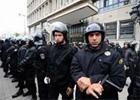Près de 27 agents de police révoqués ont entamé une grève ouverte