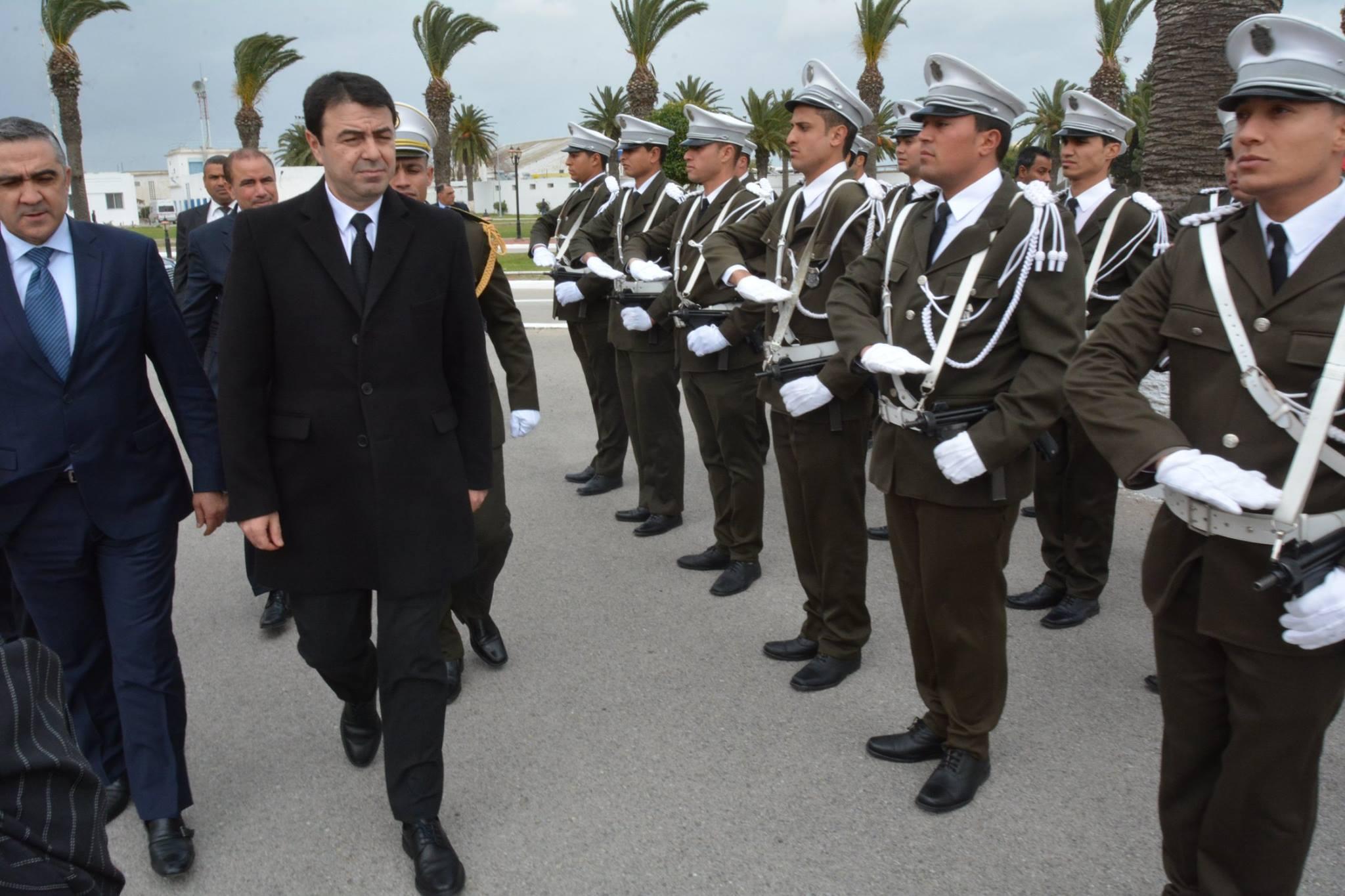 Tunisie le minist re de l int rieur re oit un don for Interieur ministere tunisie