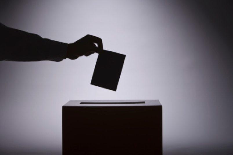 Dissolution du Parlement, convocation de nouvelles élections